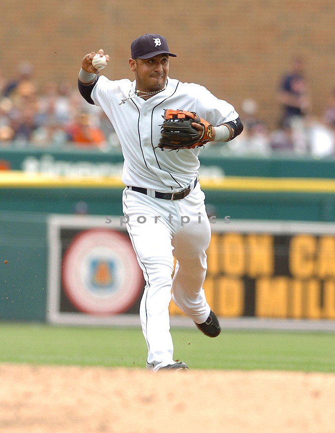 CARLOS GUILLEN, of the  Detroit Tigers, in action during the Tigers  game against the Texas Rangers  in Detroit,  MI, on June 28,  2007...Tigers  win 5-2...DAVID DUROCHIK / SPORTPICS.