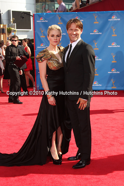 LOS ANGELES - AUG 29:  Stephen Moyer and wife Anna Paquin arrives at the 2010 Emmy Awards at Nokia Theater at LA Live on August 29, 2010 in Los Angeles, CA