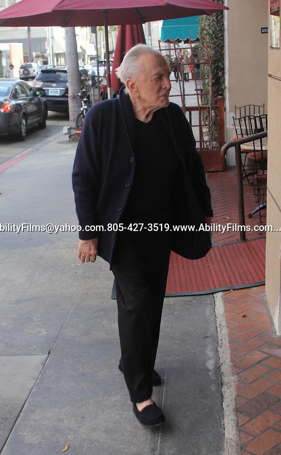 .January 16th 2012...Kirk Douglas walking into a medical building in Beverly Hills California....AbilityFilms@yahoo.com.805-427-3519.www.AbilityFilms.com.......