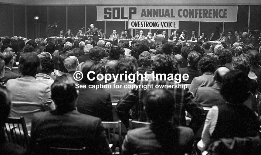 GV during Gerry Fitt, leader, SDLP, Social Democratic &amp; Labour Party, N Ireland, UK, speaking at his party's annual conference, Europa Hotel, Belfast, 197501000098GV3.<br />