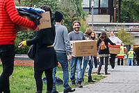 13-10-05 Menschenkette Hellersdorf
