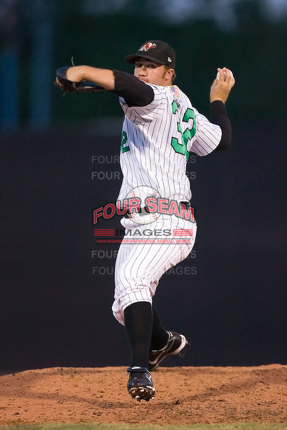 Relief pitcher Michael Dubee (32) of the Winston-Salem Warthogs in action at Ernie Shore Field in Winston-Salem, NC, Thursday July 27, 2008. (Photo by Brian Westerholt / Four Seam Images)