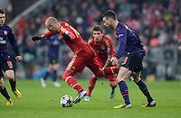 FUSSBALL  CHAMPIONS LEAGUE  ACHTELFINALE  HINSPIEL  2012/2013      FC Bayern Muenchen - FC Arsenal London     13.03.2013 Arjen Robben (li, FC Bayern Muenchen) gegen Laurent Koscielny (re, Arsenal)