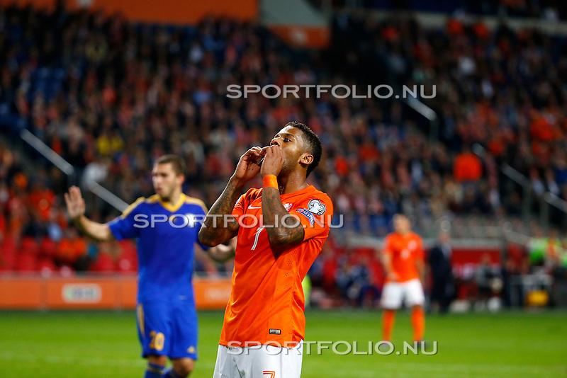 Nederland, Amsterdam, 10 oktober 2014<br /> Seizoen 2014-2015<br /> EK Kwalificatiewedstrijd <br /> Nederland-Kazachstan <br /> Jeremain Lens van Nederland baalt.