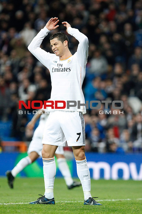 Real Madrid¬¥s Cristiano Ronaldo during King¬¥s Cup match in Santiago Bernabeu stadium in Madrid, Spain. January 09, 2014. Foto © nph / Victor Blanco)