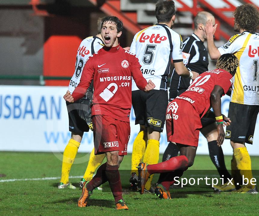 KV Kortrijk - Sporting Lokeren : Brecht Dejaegere juicht .foto VDB / BART VANDENBROUCKE