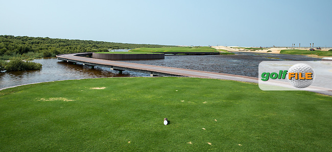 View of the 7th tee at Al Zorah Golf Club, Dubai, United Arab Emirates.  26/01/2016. Picture: Golffile | David Lloyd<br /> <br /> All photos usage must carry mandatory copyright credit (&copy; Golffile | David Lloyd)