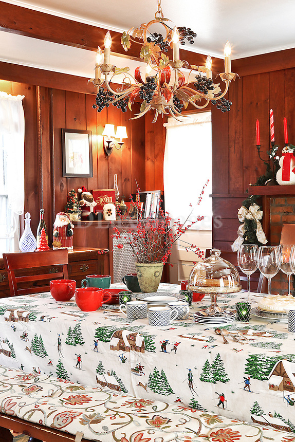 christmas decorated dining room