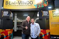 SAO PAULO, SP, 12 DE JULHO 2012 – O ex jogador Neto (D) e o ex goleiro Ronaldo na abertura do Brazil Sports Show na Bienal do Ibirapuera. O evento, que ja esta em sua segunda edicao, conta com mais de onze feiras tematicas em mais de vinte mil metros quadrados de espaco. E a maior feira da categoria no pais e atrai gente de todo o Brasil para prestigiar os workshops, e aproveitar. Somente hoje, a entrada e gratuita, ate o dia 15, paga-se 20,00 para o acesso. (FOTO: THAIS RIBEIRO / BRAZIL PHOTO PRESS).