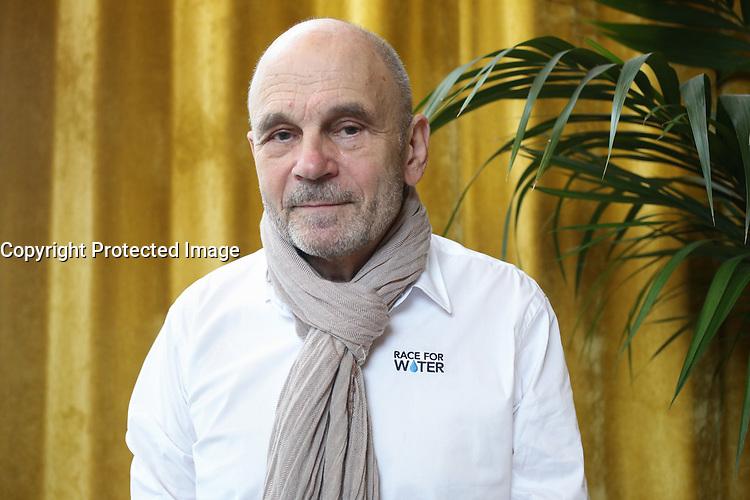 GERARD D' ABOVILLE, CAPITAINE DU NAVIRE 'RACE FOR WATER', PRESENTATION DU PREMIER NAVIRE A PROPULSION HYBRIDE SOLAIRE-HYDROGENE POUR COMBATTRE LA POLLUTION MARINE, PARIS, FRANCE, LE 10/03/2017.