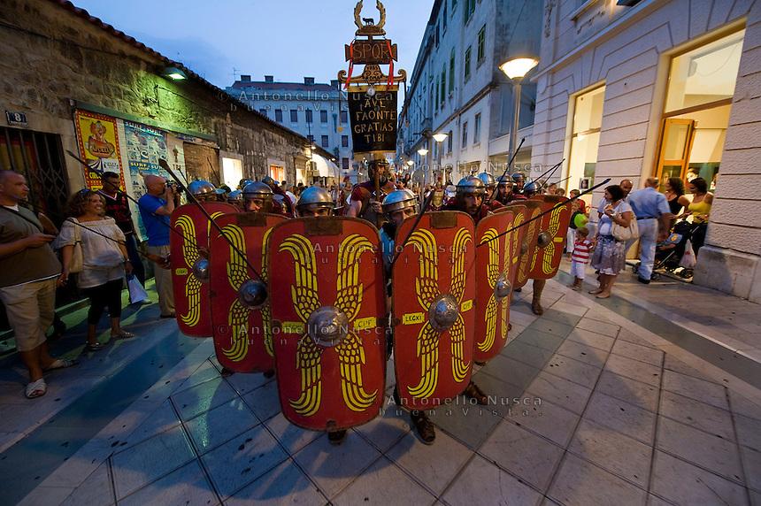 Roman legionnaires and gladiators, coming from the Gladiator School in Rome, march past the streets of Split to celebrate the Diocletian's Night in Split..Membri del Gruppo storico Romano durante le celebrazioni per le Notti di Diocleziano