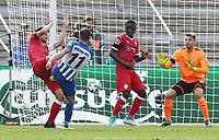 Mathew Leckie goalschuss goal  2:0, Orel Mangala, goalkeeper Ron Robert Zieler /   / general viel, Spielszene  /      <br /> / Sport / Football Football / DFL 1. Bundesliga Bundesliga  /  2017/2018 / 19.08.2017 / Hertha BSC Berlin vs. VfB Stuttgart 170819012 /  *** Local Caption *** © pixathlon<br /> Contact: +49-40-22 63 02 60 , info@pixathlon.de