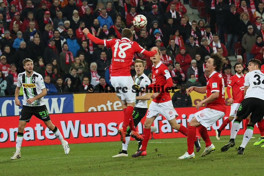 Kopfballabwehr Daniel Brosinski (mainz) - 1. FSV Mainz 05 vs. Borussia Moenchengladbach, Coface Arena