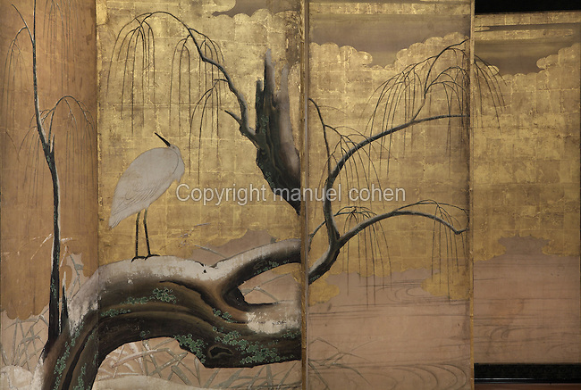 """Herons sur un saule enneige"" (herons on a snowy willow tree), detail, paravent à six volets, Ecole Kano, Epoque Edo, fin du XVIIe siecle, Musee Guimet, Paris, France. Photo Manuel Cohen..""Herons on a snowy willow tree"" (Herons sur un saule enneige), detail, six sections screen, Kano school, Edo period, late 17th century, Mus©e Guimet, Paris, France. Picture Manuel Cohen"