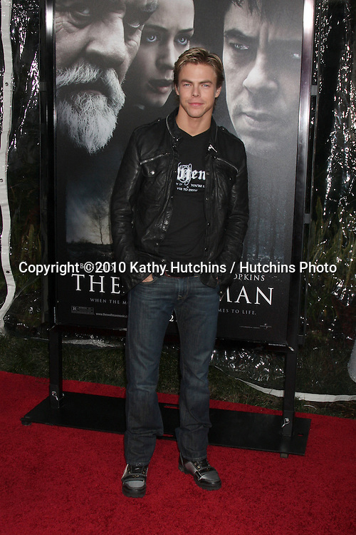 Derek Hough.arrivng at the premiere of The Wolfman..Arclight Hollywood.Los Angeles, CA.February 9, 2010.©2010 Kathy Hutchins / Hutchins Photo....