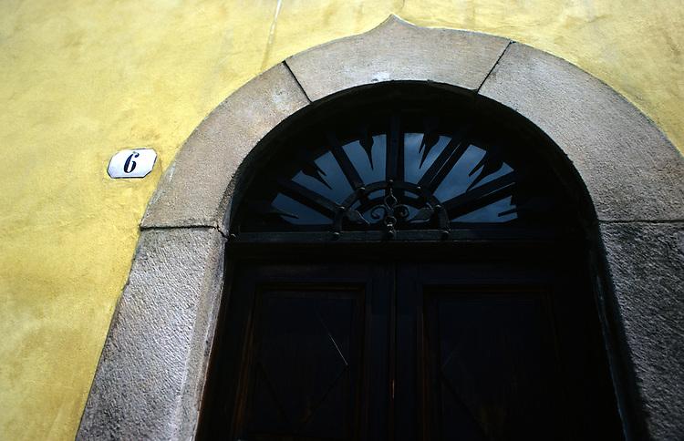 Lucca Door 6