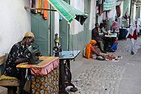 ETHIOPIA , Harar, old town, tailor / AETHIOPIEN, Harar, Altstadt, Markt , Schneider