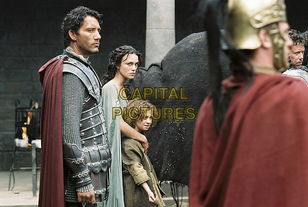 King Arthur (2004)<br /> Clive Owen and Keira Knightley<br /> *Filmstill - Editorial Use Only*<br /> CAP/KFS<br /> Image supplied by Capital Pictures