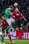 02.11.2019, wohninvest WESERSTADION, Bremen, GER, 1.FBL, Werder Bremen vs SC Freiburg<br /> <br /> DFL REGULATIONS PROHIBIT ANY USE OF PHOTOGRAPHS AS IMAGE SEQUENCES AND/OR QUASI-VIDEO.<br /> <br /> im Bild / picture shows<br /> Joshua Sargent (Werder Bremen #19) im Duell / im Zweikampf mit Christian Günter / Guenter (SC Freiburg #30), <br /> <br /> Foto © nordphoto / Ewert