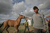 Nadam o Naadam, Festa tradizionale , corse di cavalli, horses racing during traditional festival