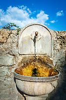 Frankreich, Provence-Alpes-Côte d'Azur, Sospel in den franzoesischen Seealpen: Trinkwasserbrunnen | France, Provence-Alpes-Côte d'Azur, Sospel in the French Maritime Alps: fountain with drinking water