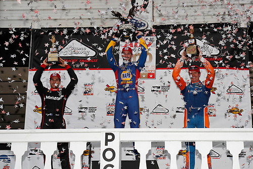 Alexander Rossi, Andretti Autosport Honda, Will Power, Team Penske Chevrolet, Scott Dixon, Chip Ganassi Racing Honda celebrate on the podium