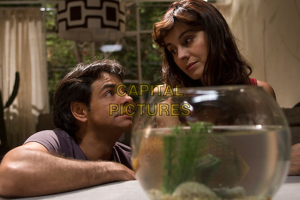 EUGENIO DERBEZ & ALEJANDRA BARROS.in No eres tu, soy yo.*Filmstill - Editorial Use Only*.CAP/FB.Supplied by Capital Pictures.