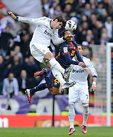 FUSSBALL  INTERNATIONAL  PRIMERA DIVISION  SAISON 2012/2013   26. Spieltag  El Clasico   Real Madrid  - FC Barcelona        02.03.2013 Alvaro Morata (li, Real Madrid) gegen Thiago Alcantara (Barca)