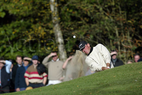 October 17, 2003: Danish golfer THOMAS BJORN (DEN) plays out of a greenside bunker on the 4th during the second round of the HSBC World Matchplay Championship at Wentworth,Bjorn beat Mike Weir 5&4. Photo: Glyn Kirk/action plus...match play golf 031017 player matchplay sand