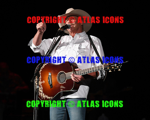 WEST PALM BEACH, FL - MAY 12: Alan Jackson performs at The Coral Sky Amphitheatre on May 12, 2018 in West Palm Beach Florida. Credit Larry Marano © 2018
