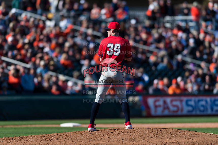 Gonzaga Bulldogs relief pitcher Taylor Davis (39) prepares to deliver a pitch during a game against the Oregon State Beavers on February 16, 2019 at Surprise Stadium in Surprise, Arizona. Oregon State defeated Gonzaga 9-3. (Zachary Lucy/Four Seam Images)