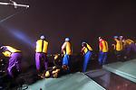 Sarobetsu &egrave; un piccolo porto all'estremo nord dell'Isola. Un breve tratto di mare e siamo in Russia nella Isola di Sakhalin. Ed &egrave; proprio in queste acque che a settembre si pesca, al loro passoggio, uno dei salmoni pi&ugrave; pregiati al mondo. Vi partecipano tutti gli uomi del villaggio. Nelle foto una battuta di pesca a bordo di un peschereccio. Ogni barca pesca circa 5000 salmoni. Ed una volta a terra viene direttamente messo all'asta e lavorato dalla fabbrica del paese<br /> &copy; Paolo della Corte.