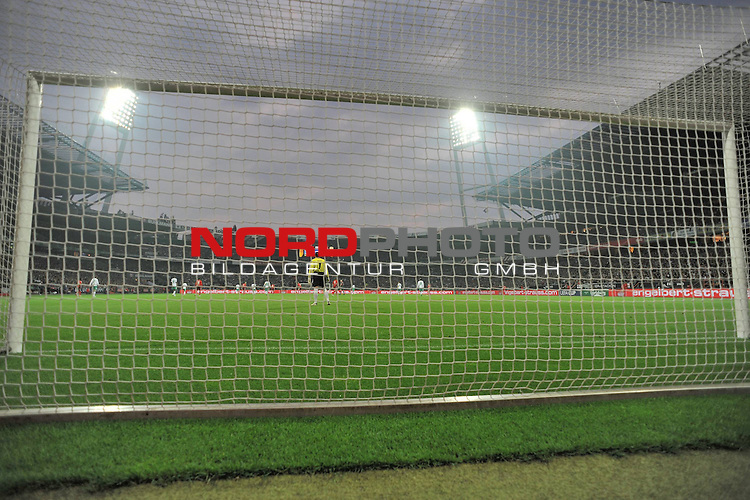 UEFA CUP 2008/2009 <br /> Halbfinale 1/2 Weserstadion 30.04.2009<br /> <br /> Werder Bremen (GER) - HSV Hamburg ( GER ) 0:1<br /> <br /> Keeper Tim Wiese ( Bremen GER #1) <br /> <br /> Aufgenommen mit der Hintertorremote Kamera<br /> <br /> <br /> Foto &copy; nph (  nordphoto  )