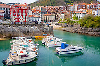 town and harbor, Mundaka, Biscay, Basque Country, Spain, Bay of Biscay, Atlantic Ocean