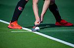 AMSTELVEEN - aangeven strafcorner   tijdens  de hoofdklasse competitiewedstrijd hockey heren,  Amsterdam-SCHC (3-1).  COPYRIGHT KOEN SUYK