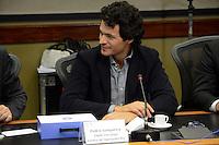 RIO DE JANEIRO, RJ, 12.07.2016 - SAUDE-RJ - Pedro Junqueira Chefe Executivo do Centro de Operações Rio durante apresentação do  Centro Integrado de Operações Conjuntas da Saúde (CIOCS) para os Jogos Olímpicos e Paralímpicos. A unidade, coordenada pelo Ministério da Saúde, em parceria com os estados e municípios envolvidos com os jogos, é responsável por monitorar as ocorrências de saúde no período da competição no Centro de Operações do Rio (COR) região central do Rio de Janeiro nesta terça-feira, 12. (Foto: Jorge Hely/Brazil Photo Press)