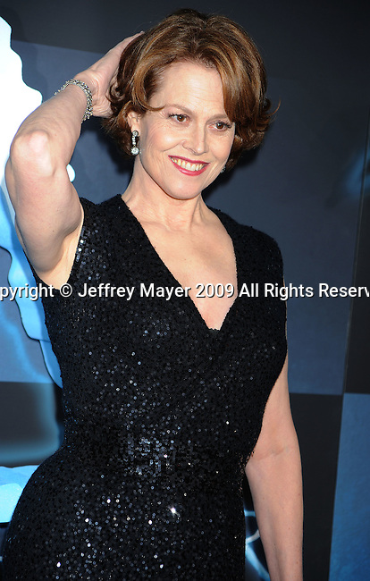 """HOLLYWOOD, CA. - December 16: Sigourney Weaver attends the Los Angeles premiere of """"Avatar"""" at Grauman's Chinese Theatre on December 16, 2009 in Hollywood, California."""