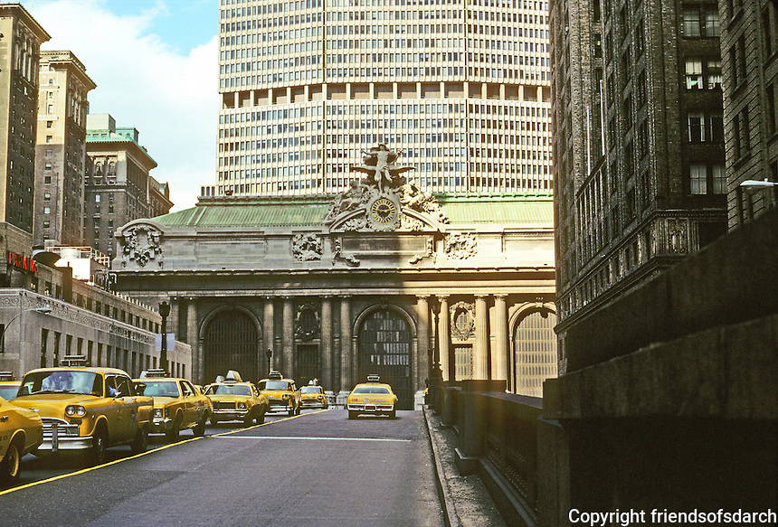 New York: Grand Central Station and the Pan-Am Building. Photo '78.