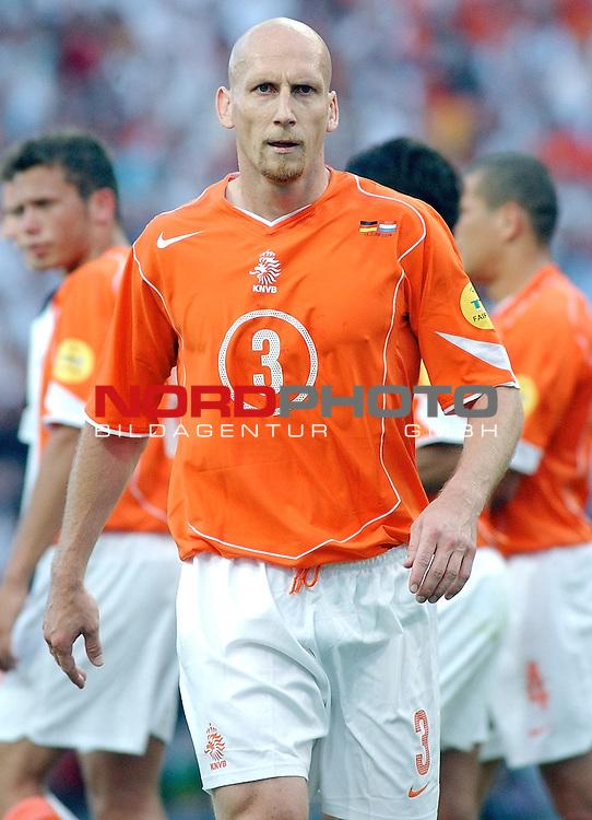 Europameisterschaft 2004 Portugal<br /> <br /> Deutschland - Niederlande<br /> <br /> Jaap Stam (Niederlande)<br /> <br /> Foto &copy; nordphoto