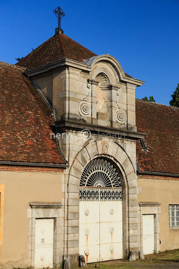 France, Allier (03), Diou, abbaye de Sept-Fons, le portail // France, Allier, Diou, Sept-Fons abbey, the gate