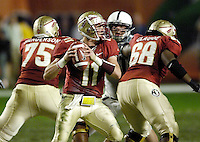 Florida State University quarterback Drew Weatherford drops back into the pocket and looks for a receiver in the second quarter of the 2006 Orange Bowl Game.