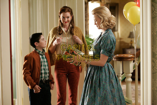 DARBY STANCHFIELD,  JANUARY JONES & MARTEN HOLDEN.in Mad Men (Episode 2) .**Filmstill - Editorial Use Only**.CAP/FB.Supplied by Capital Pictures