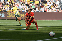 9th November 2019; Bankwest Stadium, Parramatta, New South Wales, Australia; International Womens Friendly Football, Australia versus Chile; Lydia Williams of Australia shouts at her defence as a shot goes narrowly wide of her goal - Editorial Use