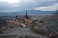 Ishak Pasha Saray Palace Dogubayazit Turchia,paesaggio   . Anatolia Orientale