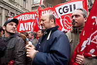 Milano, sciopero generale proclamato dalla CGIL per protestare contro il governo Monti e la riforma del lavoro. Presidio davanti a Palazzo Marino --- Milan, general strike proclaimed by CGIL trade union, as a protest against the government and the labor reform. Garrison at Palazzo Marino, headquarter of the Municipality