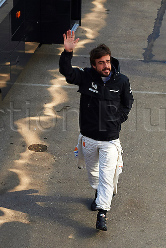 20.02.2015. Barcelona, Spain.  Fernando Alonso (McLaren Honda) waves to the fans during day two of Formula One Winter Testing at Circuit de Catalunya (Barcelona)