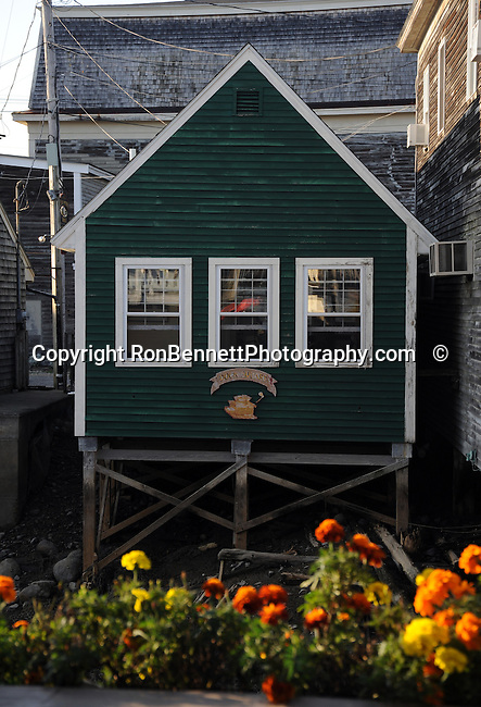 Green house Kennebunkport Maine, Maine, New England region of northeatern United States, boardered by Atlantic Ocean to the east and south, Maine is the northermost and easternmorst portion of New England, jagged rocky coastline, rolling mountains, heavily forested interior picturesque waterways, seafood cuisine, lobster and clams, European settlement in Maine was 1604, 23rd state March 15 1820, Dirigo, Maine is The Pine Tree State, Maine Stock and Fine Art Photography.  All Rights Reserved RonBennettPhotography.com All Photographs for SALE.