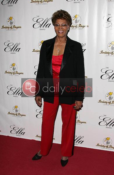 Dionne Warwick<br /> at the Society of Singers 14th Annual Ella Awards honoring Sir Elton John, Beverly Hilton Hotel, Beverly Hills, CA 10-10-05<br /> David Edwards/DailyCeleb.Com 818-249-4998