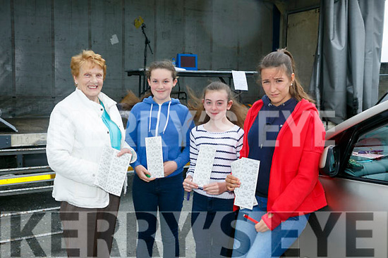 Enjoying the Drive in Bingo in aid of Gaelscoil Aogáin at the Castleisland Mart on Sunday were Kathleen Brosnan, Laura Cotter, Laura Burke and Leire Caruzo