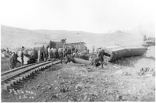 Train #115 wrecked between Lobato &amp; Cresco.<br /> D&amp;RG  Chama area (MP 338.35), NM  5/20/1904